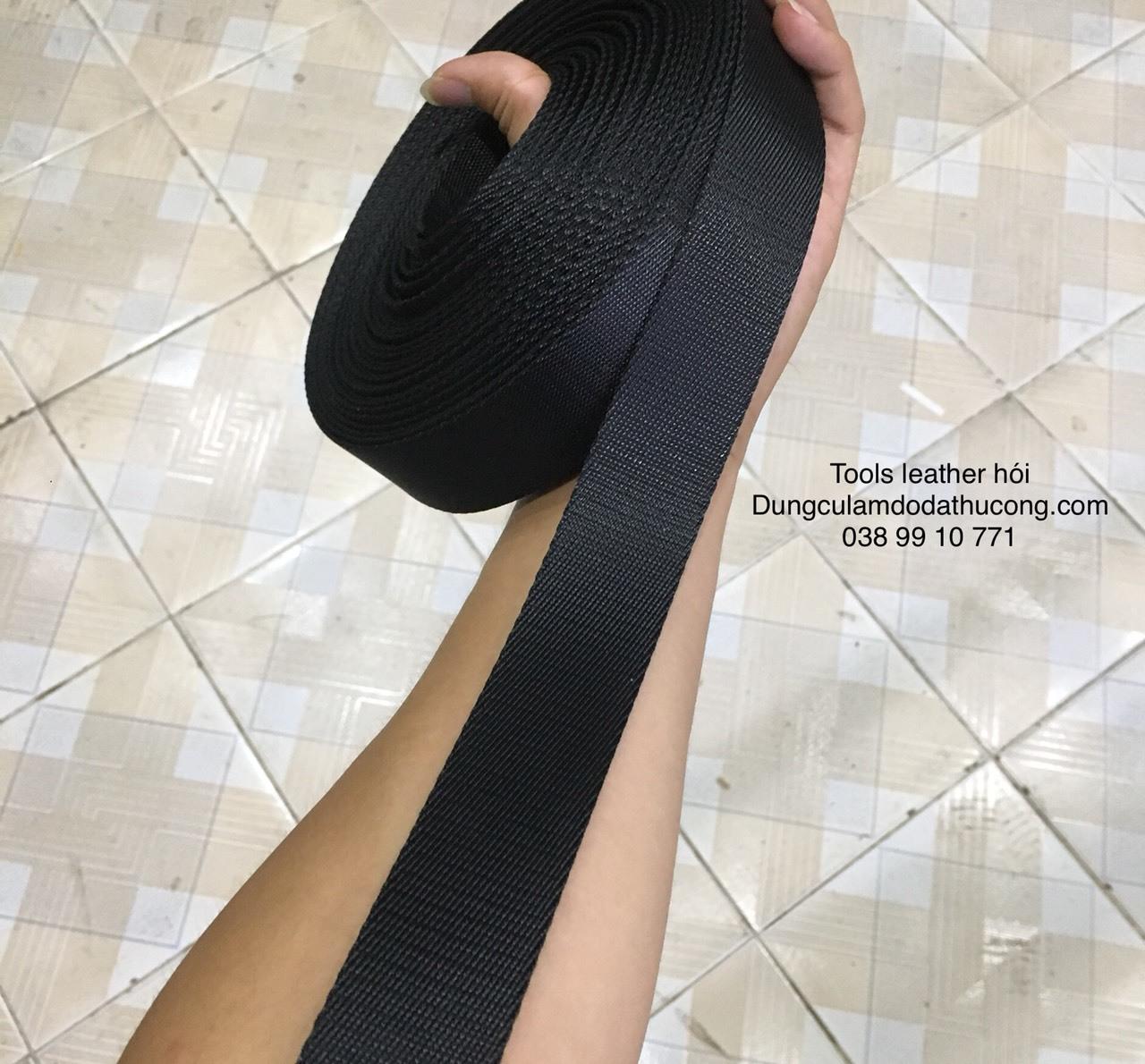 dây vải dù đeo túi màu đen 25-32-35mm 1m